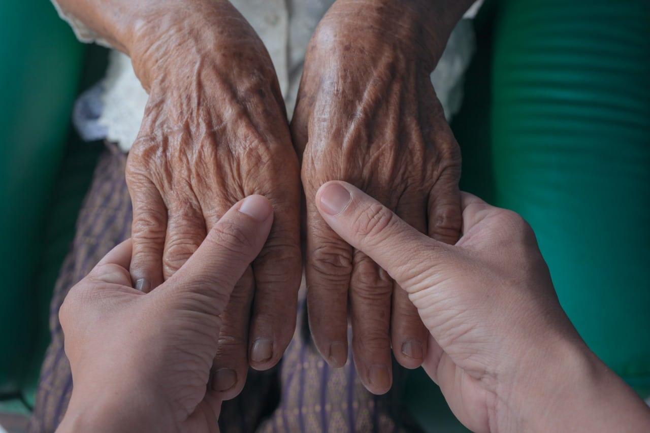 رعاية منزلية للمسنين
