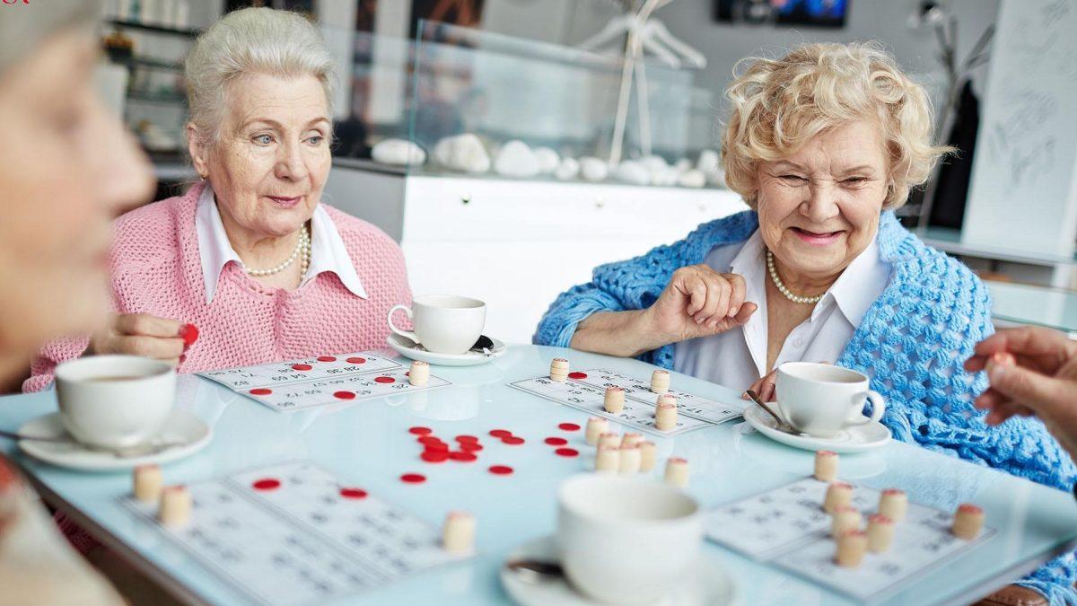 أسعار جليسات المسنين